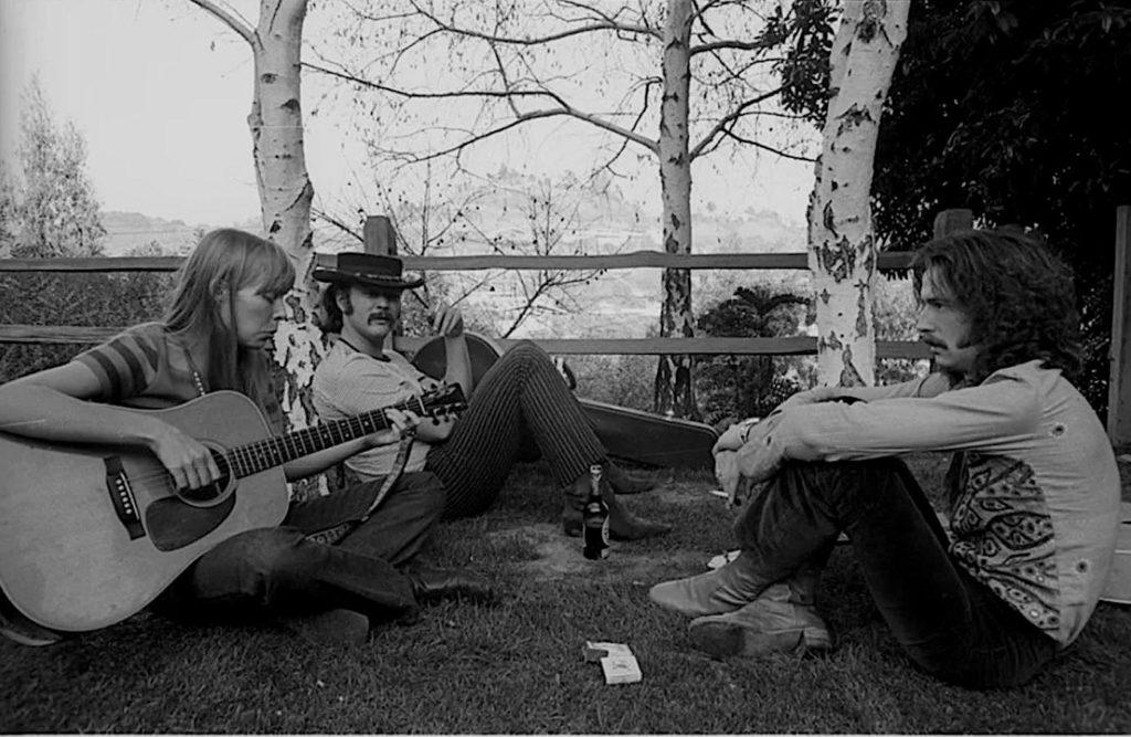 Joni Mitchell, David Crosby, et Eric Clapton à Laurel Canyon, 1968