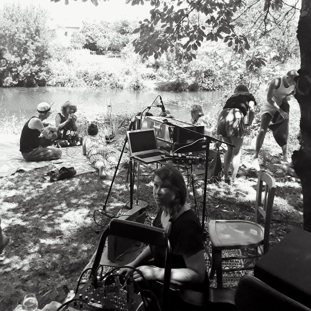 Kate Fletcher à Sauve dans le Gard / Photo : Clément Chevrier